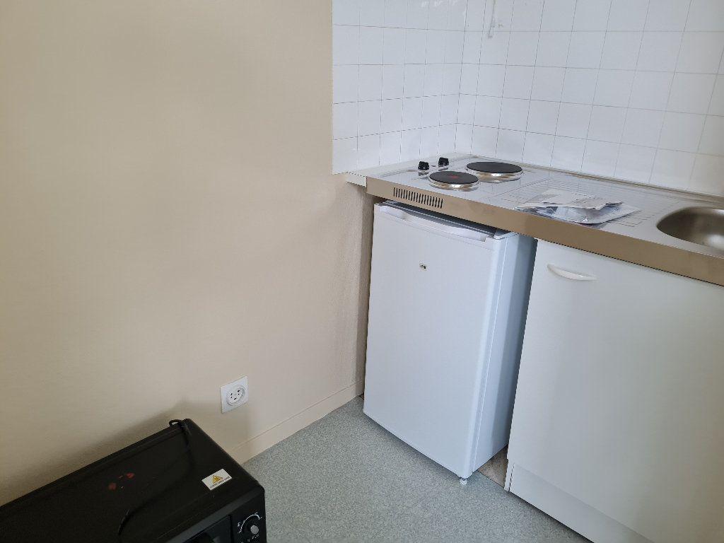 Appartement à louer 1 17.23m2 à Évreux vignette-3