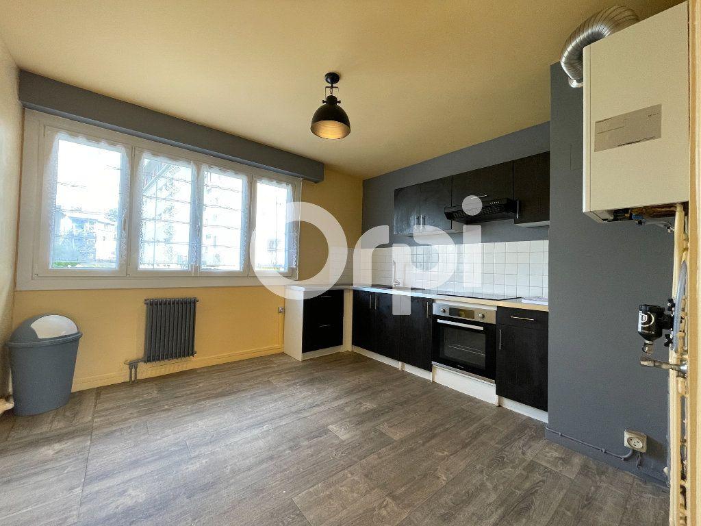 Appartement à louer 4 80m2 à Évreux vignette-4