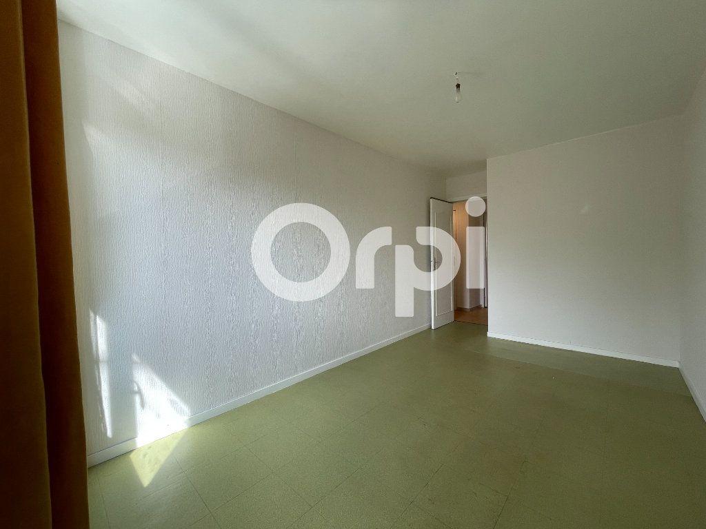 Appartement à louer 4 80m2 à Évreux vignette-9