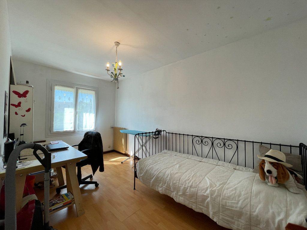 Maison à vendre 5 92m2 à Conches-en-Ouche vignette-10