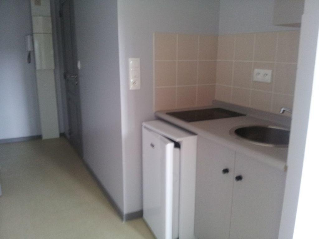 Appartement à louer 2 29.75m2 à Évreux vignette-4