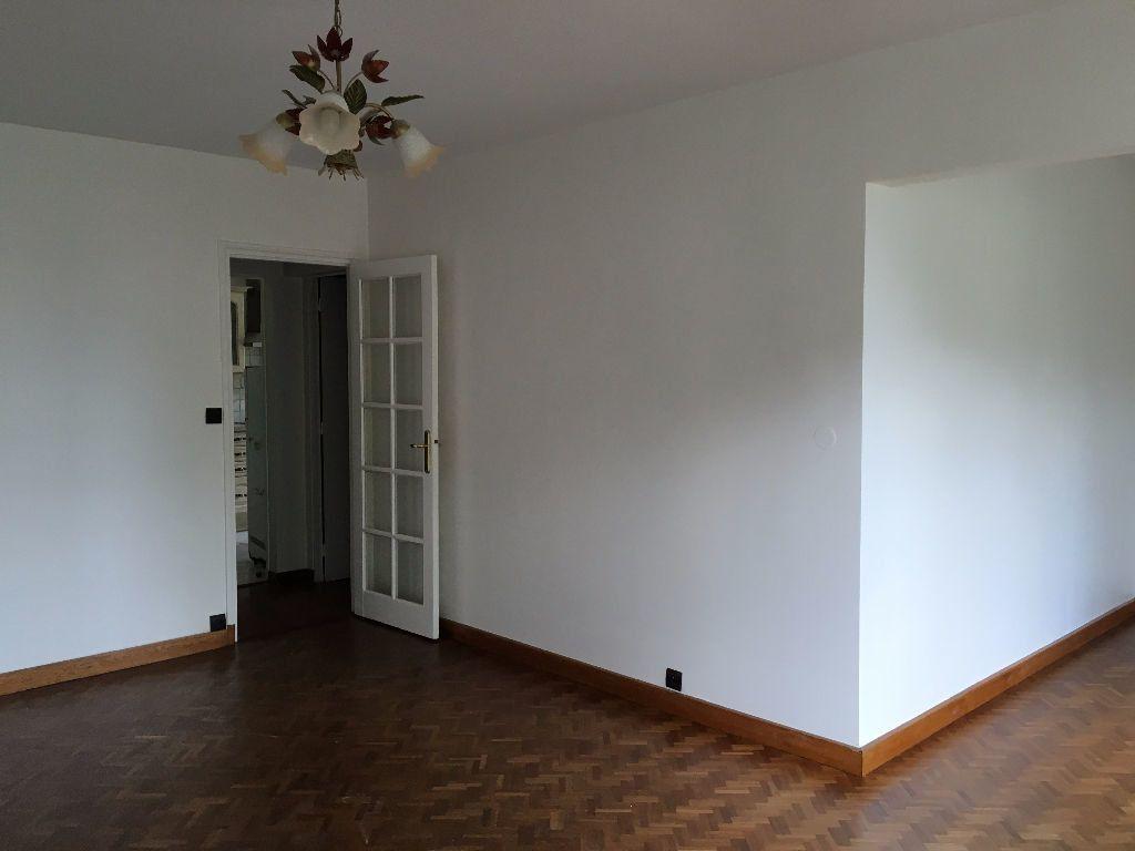 Appartement à louer 5 90m2 à Évreux vignette-1