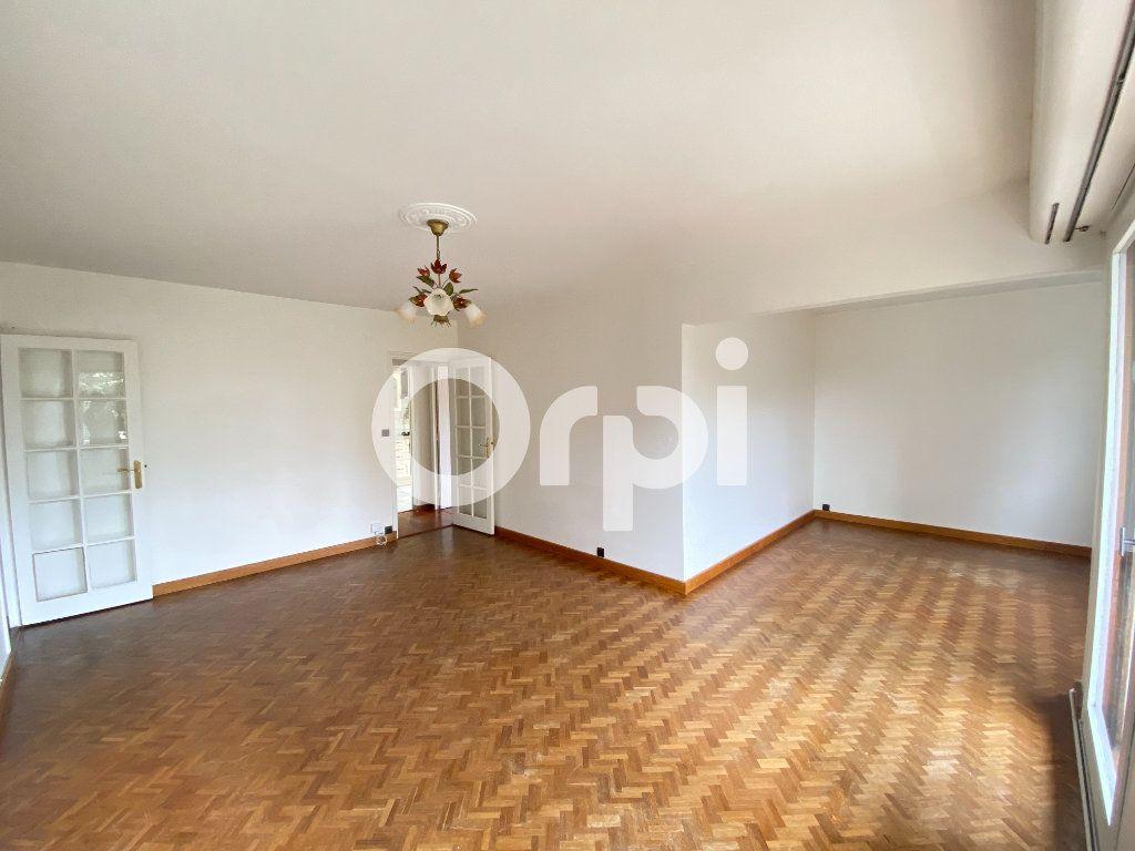 Appartement à louer 5 90m2 à Évreux vignette-2