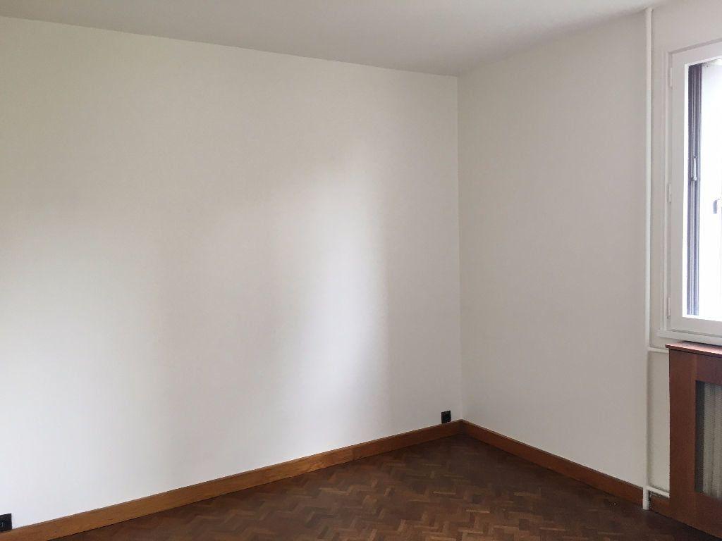 Appartement à louer 5 90m2 à Évreux vignette-3