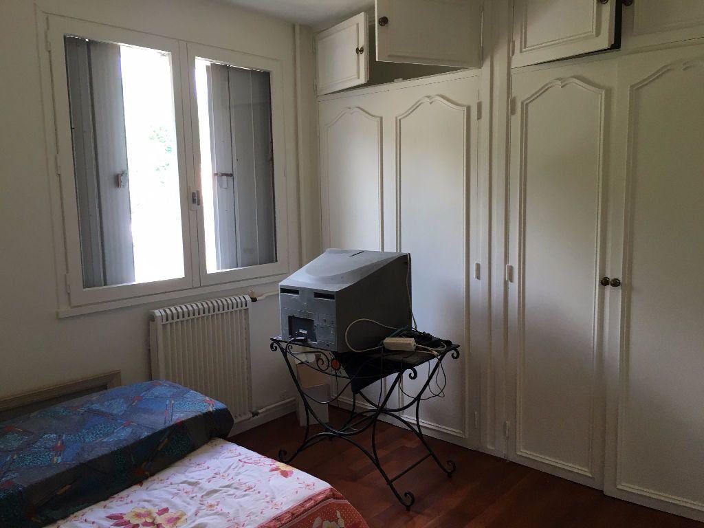 Appartement à louer 5 90m2 à Évreux vignette-4