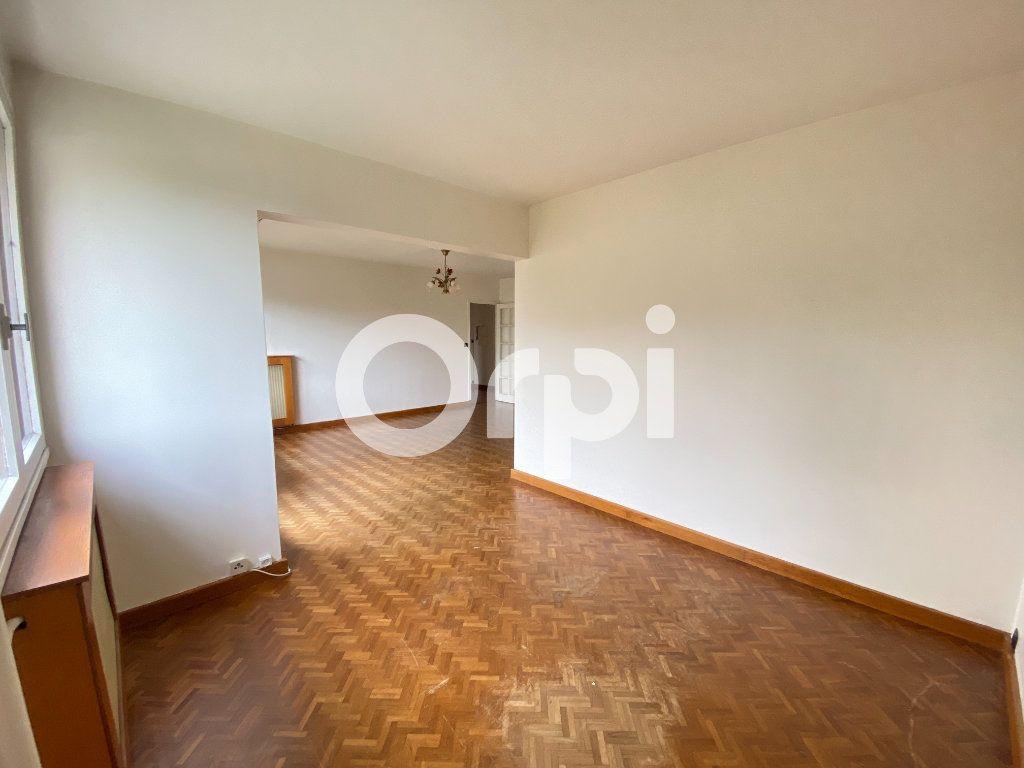 Appartement à louer 5 90m2 à Évreux vignette-5