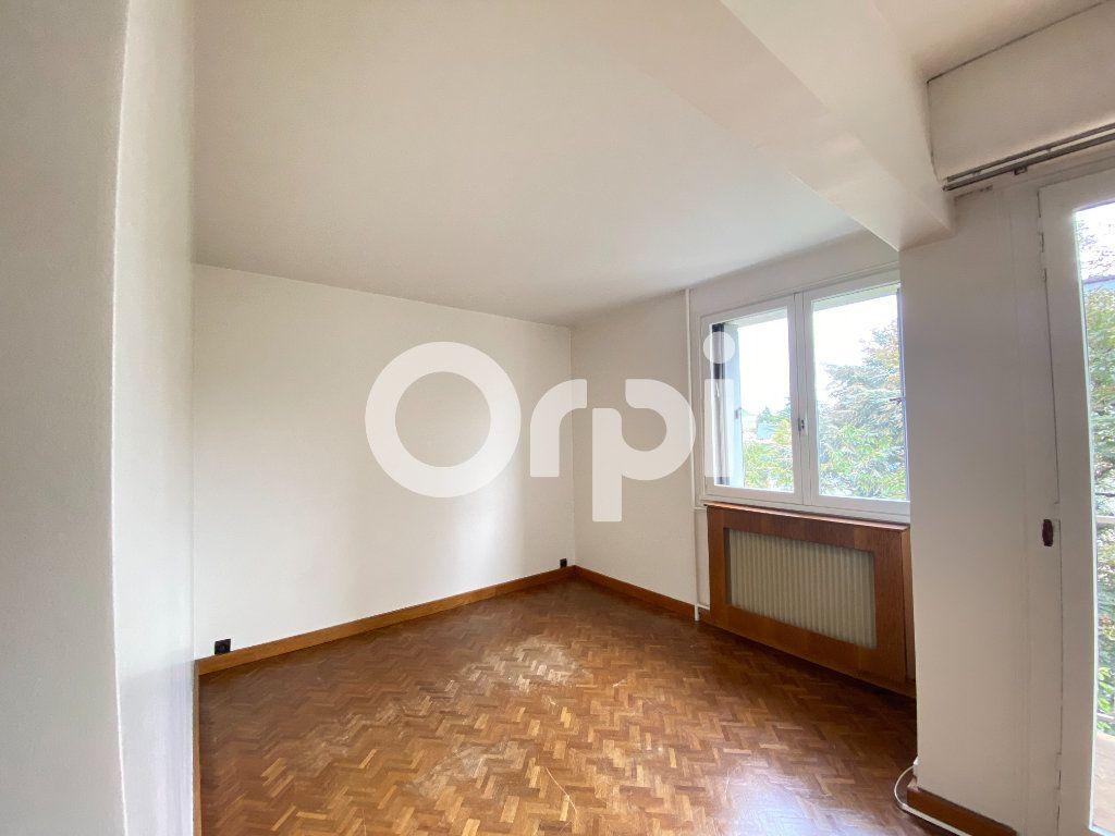 Appartement à louer 5 90m2 à Évreux vignette-7