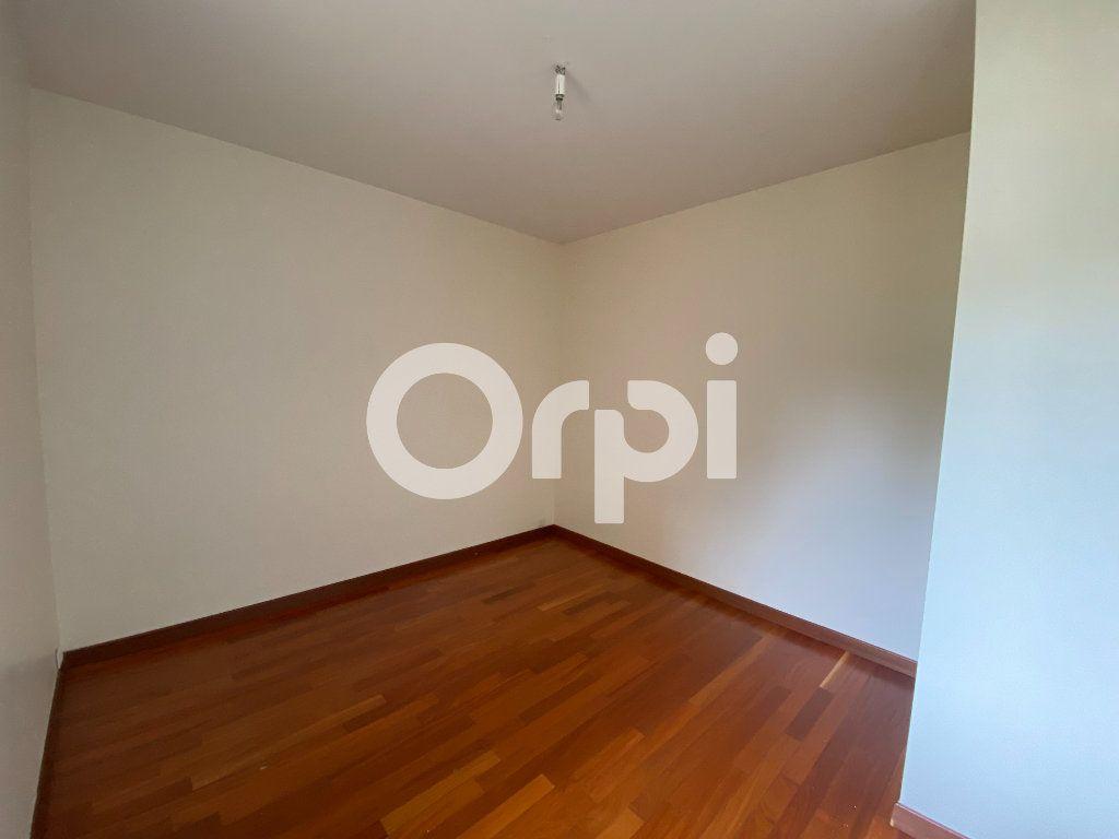 Appartement à louer 5 90m2 à Évreux vignette-10