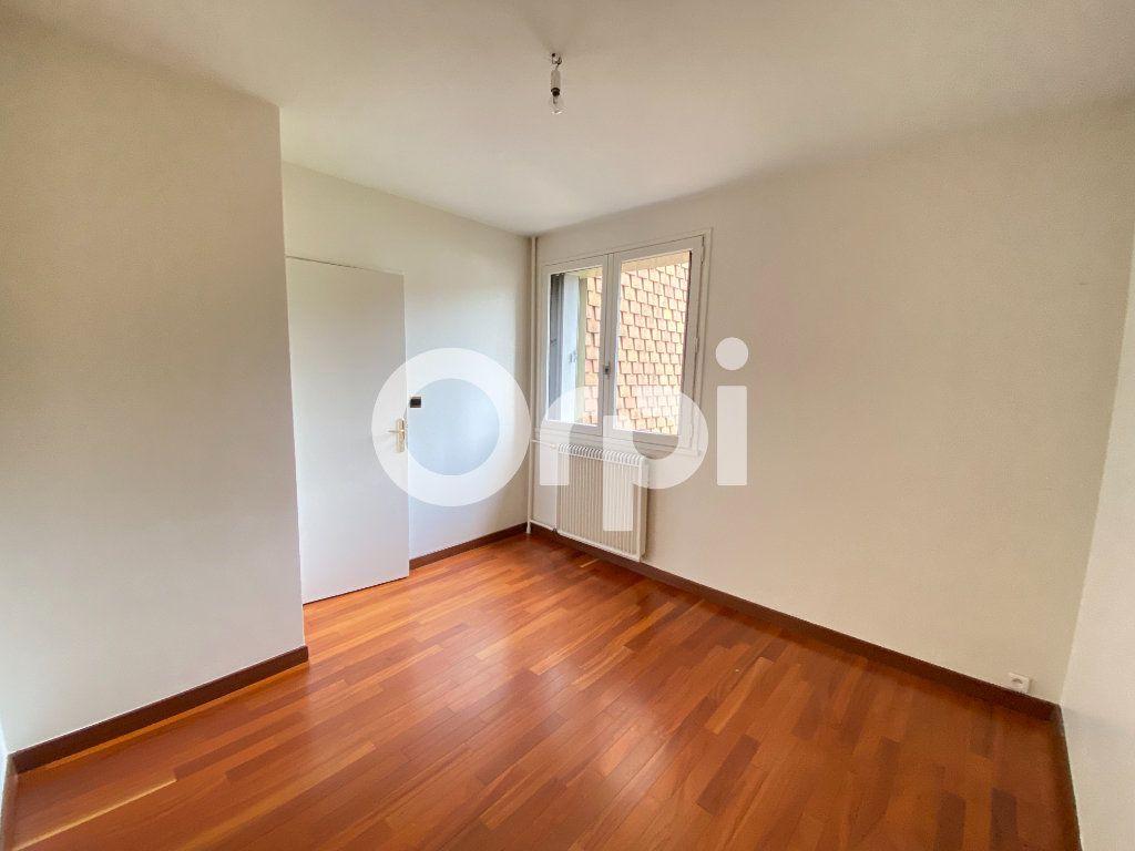 Appartement à louer 5 90m2 à Évreux vignette-11