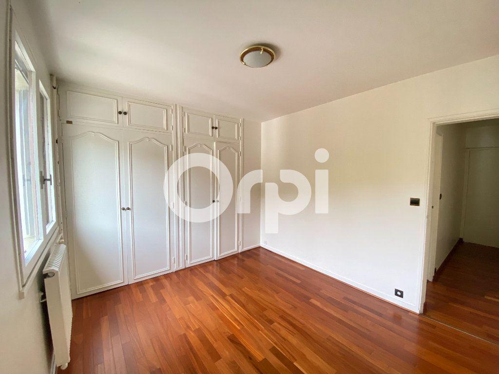 Appartement à louer 5 90m2 à Évreux vignette-13
