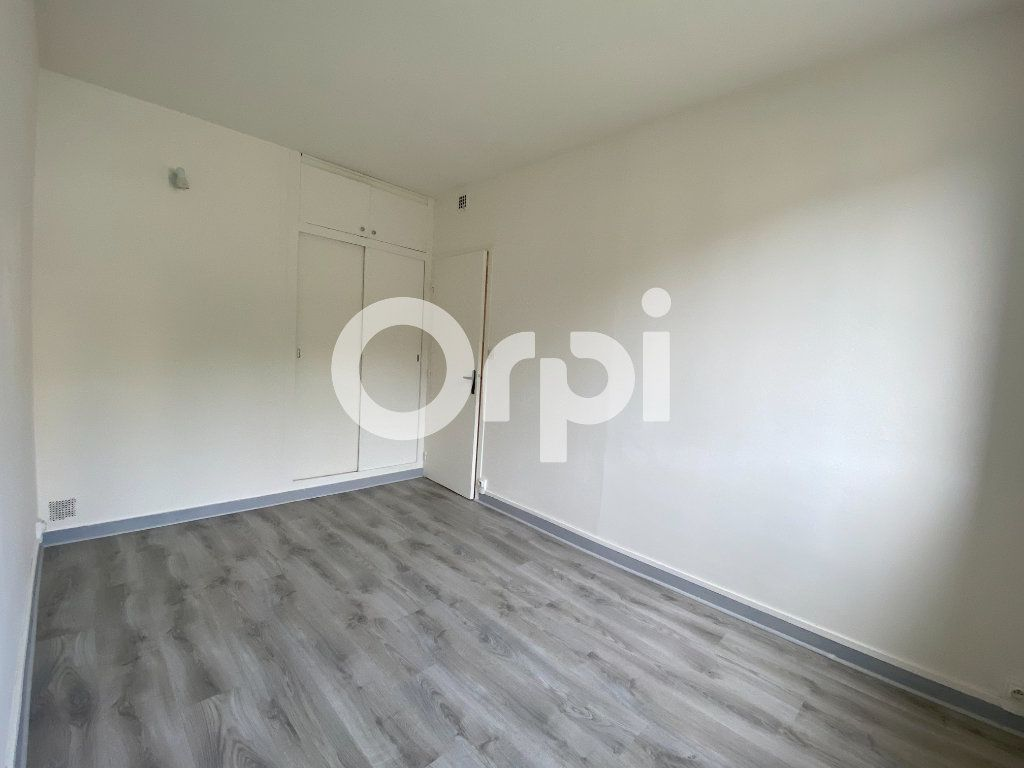 Appartement à louer 3 55.36m2 à Évreux vignette-5