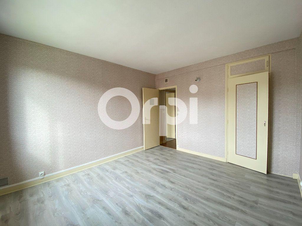 Appartement à louer 3 55.36m2 à Évreux vignette-9