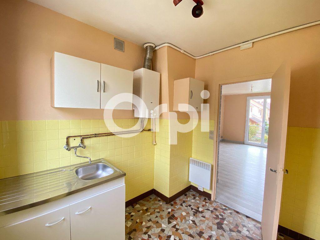 Appartement à louer 3 55.36m2 à Évreux vignette-11