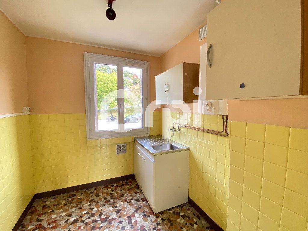 Appartement à louer 3 55.36m2 à Évreux vignette-12