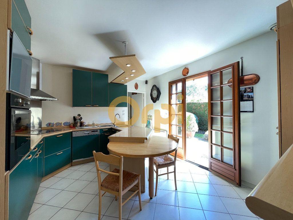 Maison à vendre 8 159m2 à Saint-Sébastien-de-Morsent vignette-4