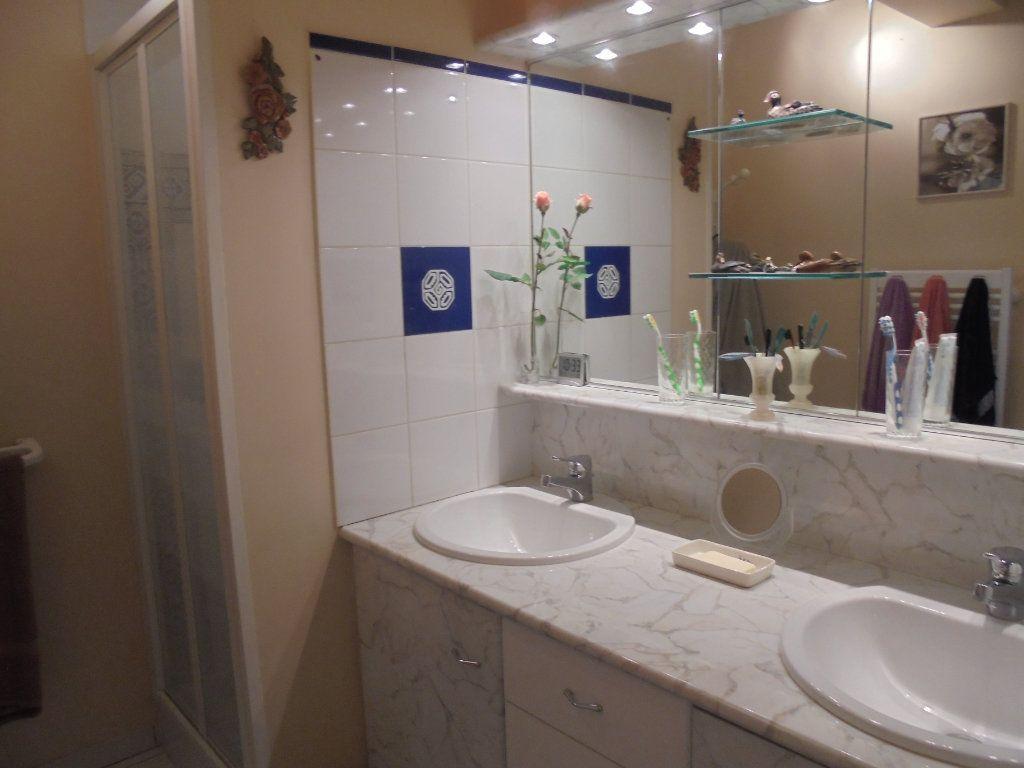 Maison à vendre 8 159m2 à Saint-Sébastien-de-Morsent vignette-10