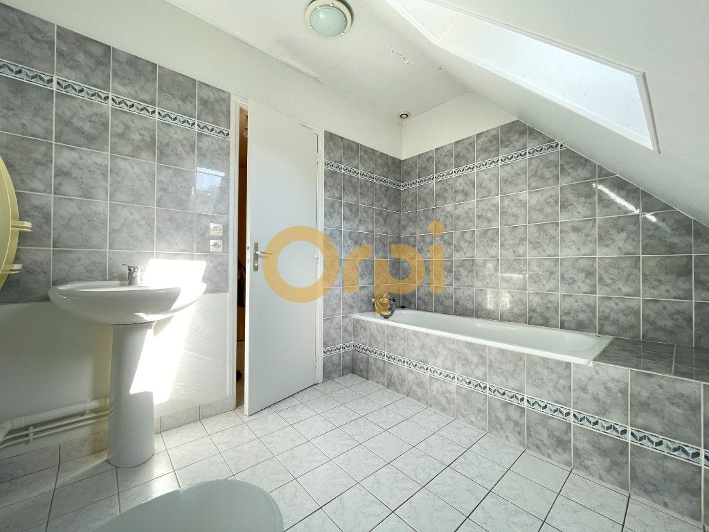 Maison à vendre 8 159m2 à Saint-Sébastien-de-Morsent vignette-13