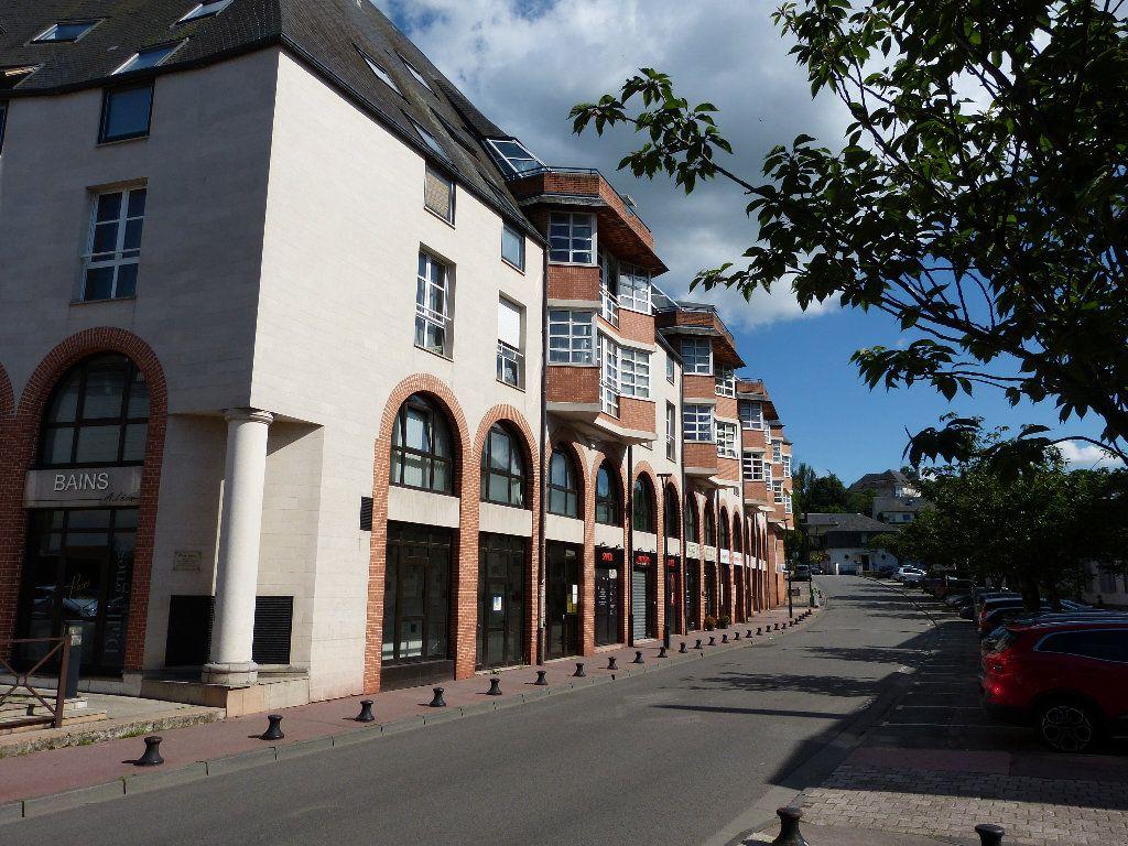Appartement à louer 2 32.92m2 à Évreux vignette-1