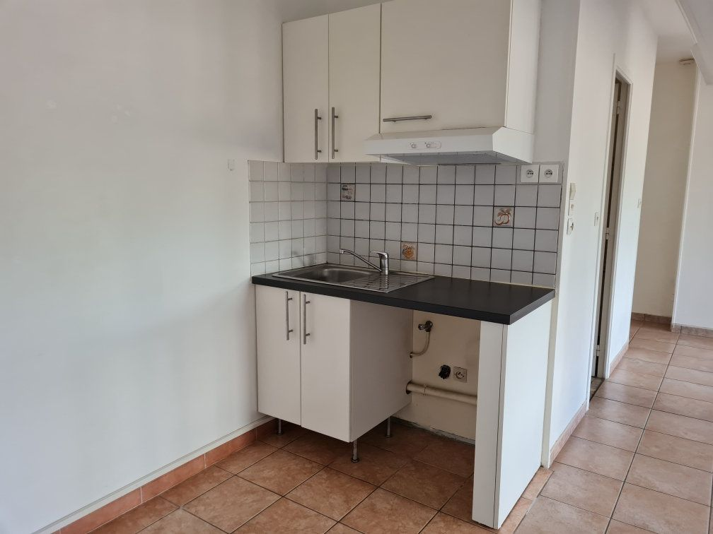 Appartement à louer 1 40m2 à Évreux vignette-2