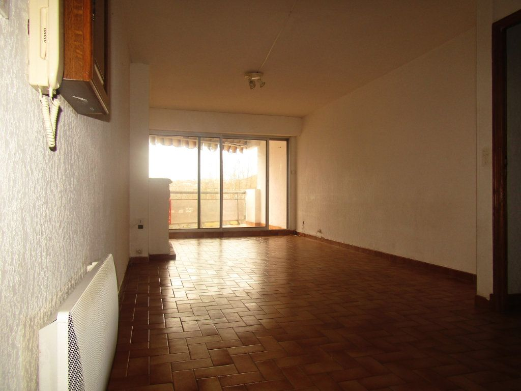 Appartement à louer 3 70m2 à Agde vignette-6