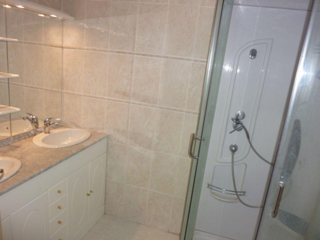 Appartement à louer 3 70m2 à Agde vignette-8
