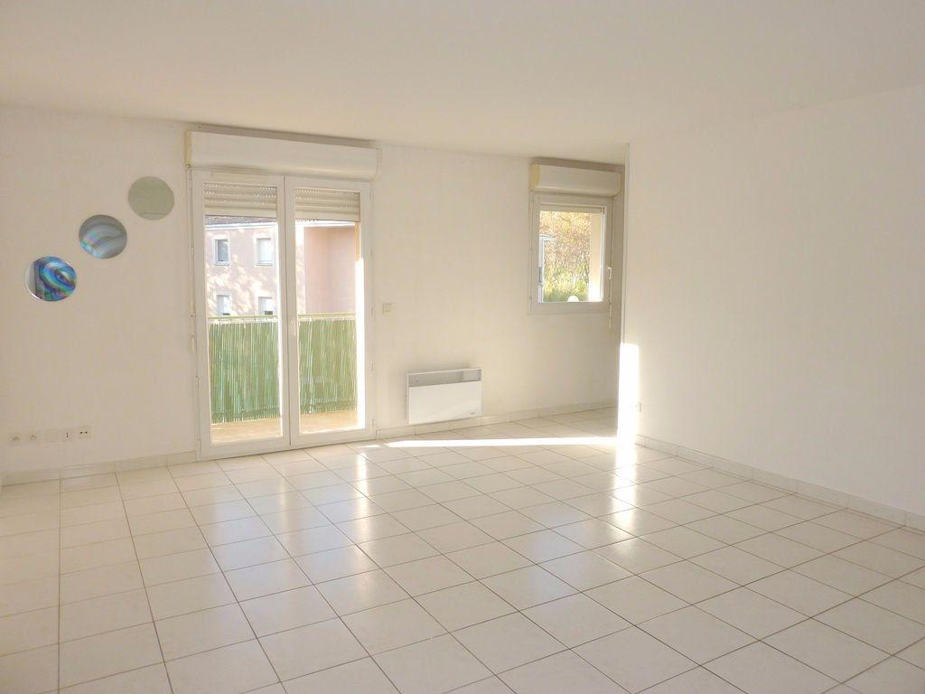 Appartement à louer 2 48m2 à Béziers vignette-1