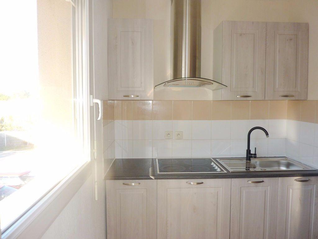 Appartement à louer 2 48m2 à Béziers vignette-2