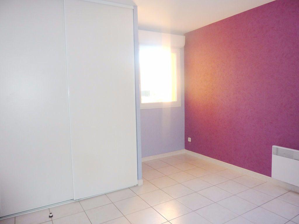 Appartement à louer 2 48m2 à Béziers vignette-3