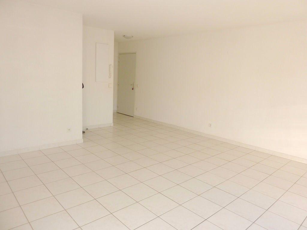 Appartement à louer 2 48m2 à Béziers vignette-4