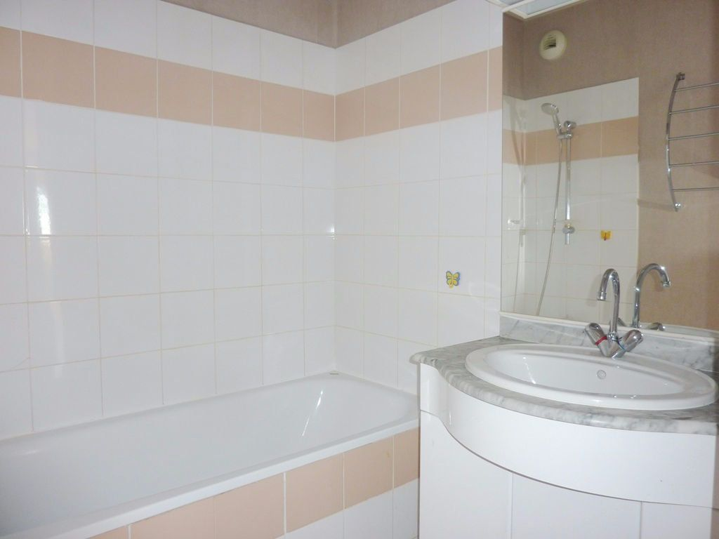Appartement à louer 2 48m2 à Béziers vignette-5
