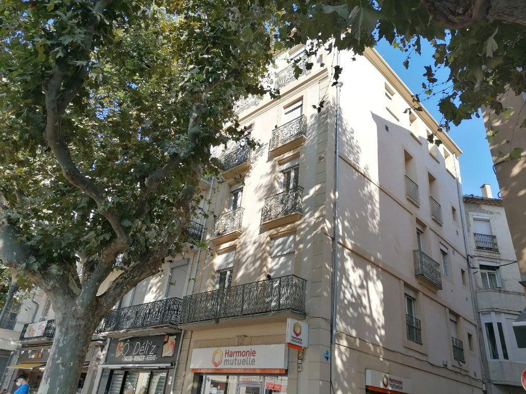 Appartement à louer 2 51m2 à Béziers vignette-3