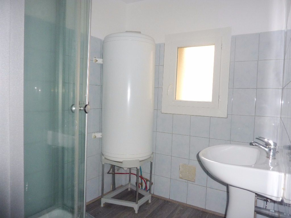 Appartement à louer 2 51m2 à Béziers vignette-6
