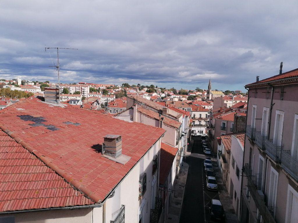 Appartement à louer 3 60.24m2 à Béziers vignette-3