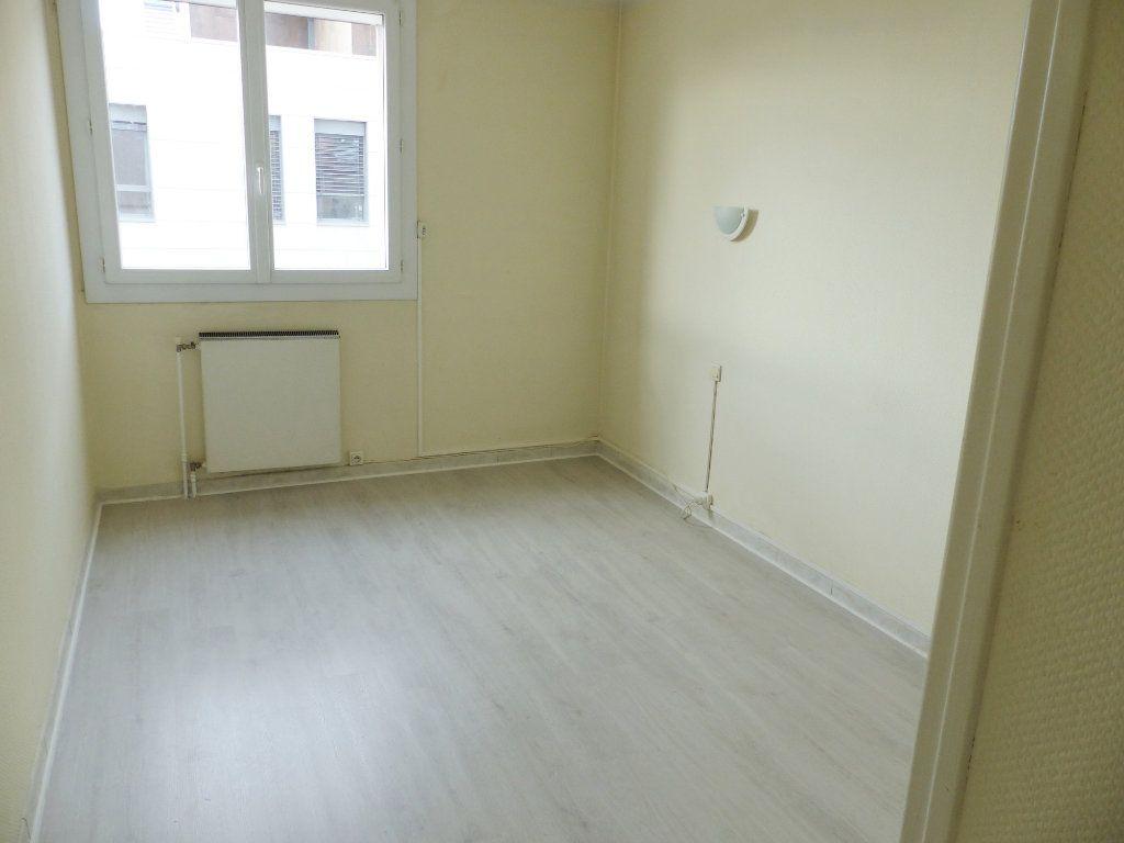 Appartement à vendre 3 62m2 à Béziers vignette-6