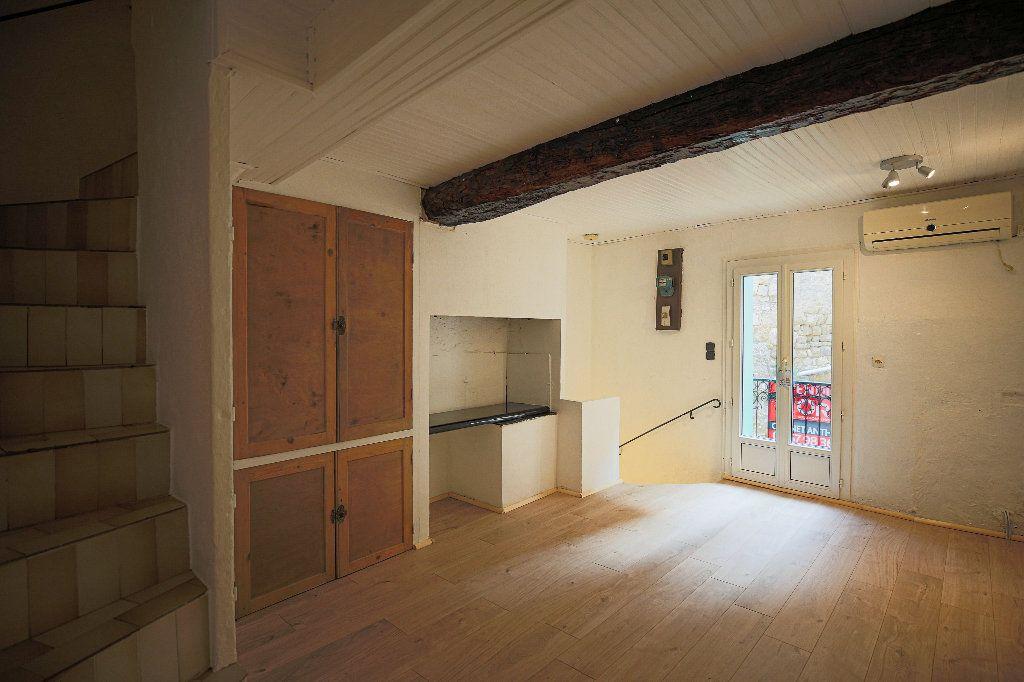 Maison à vendre 3 60m2 à Castelnau-de-Guers vignette-1