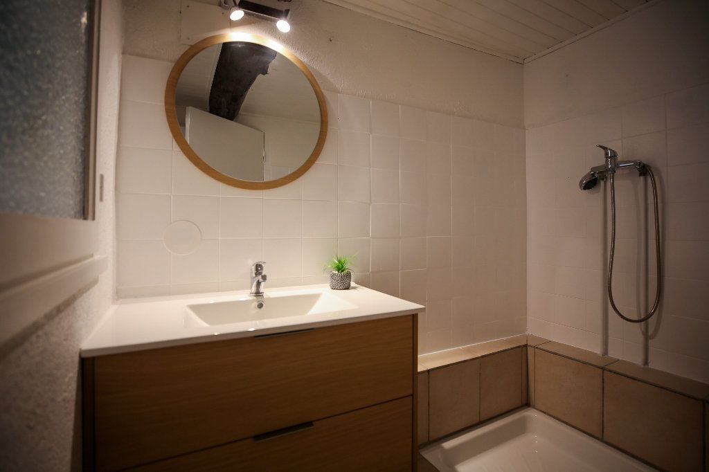 Maison à vendre 3 60m2 à Castelnau-de-Guers vignette-9
