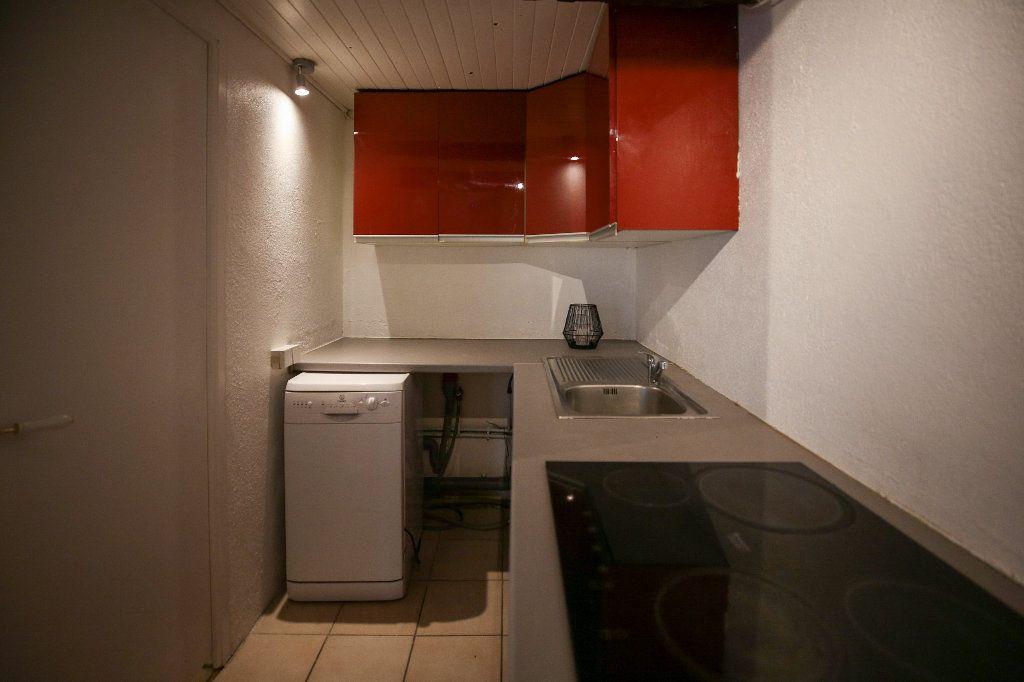 Maison à vendre 3 60m2 à Castelnau-de-Guers vignette-10