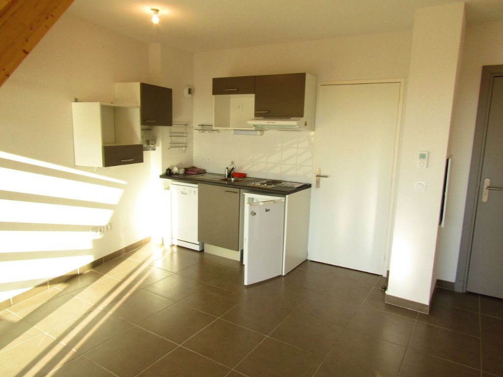 Appartement à louer 2 56.25m2 à Marseillan vignette-1