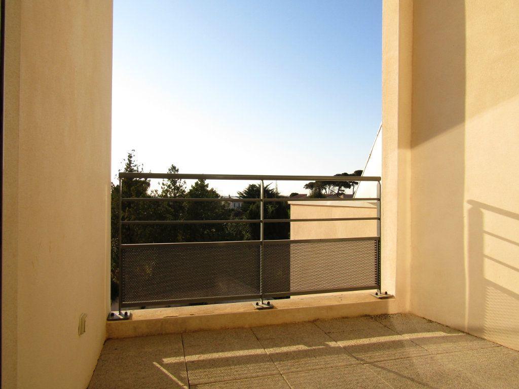 Appartement à louer 2 56.25m2 à Marseillan vignette-3