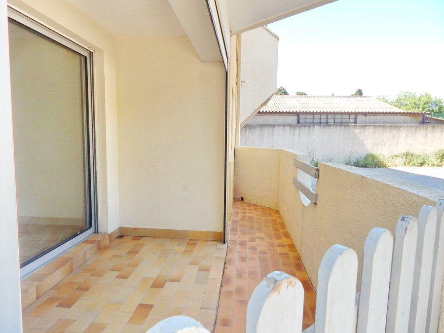 Appartement à vendre 2 34m2 à Marseillan vignette-2