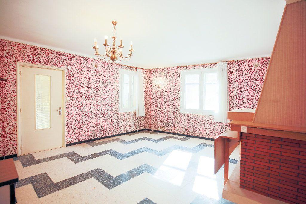 Maison à vendre 6 193.69m2 à Caux vignette-1