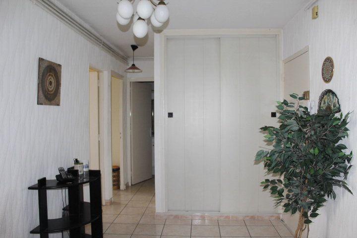 Appartement à vendre 4 74m2 à Béziers vignette-9