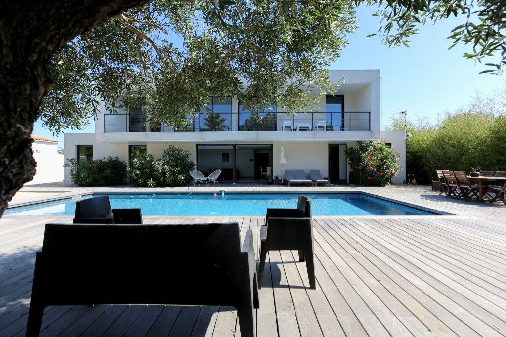 Maison à vendre 6 190m2 à Agde vignette-1