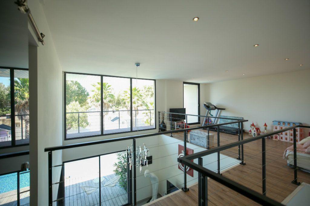 Maison à vendre 6 190m2 à Agde vignette-3