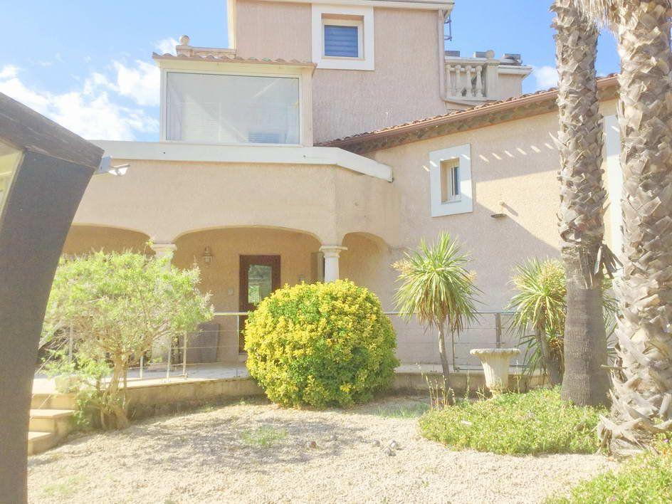 Maison à vendre 8 280m2 à Agde vignette-1