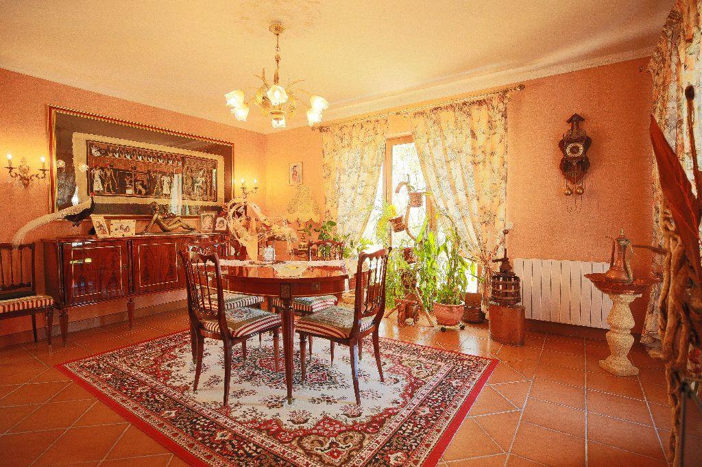 Maison à vendre 3 100.12m2 à Castelnau-de-Guers vignette-3