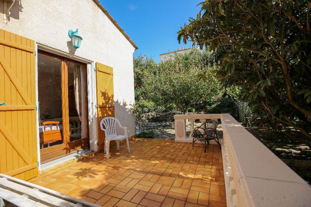Maison à vendre 3 100.12m2 à Castelnau-de-Guers vignette-11