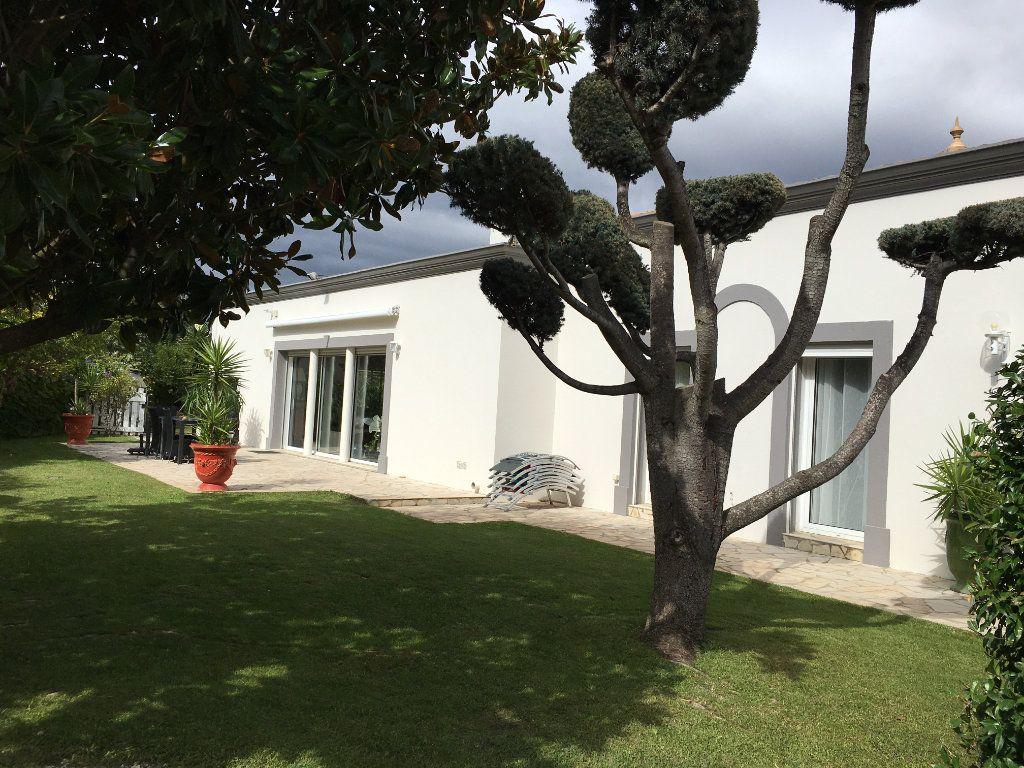 Maison à vendre 5 208m2 à Agde vignette-1