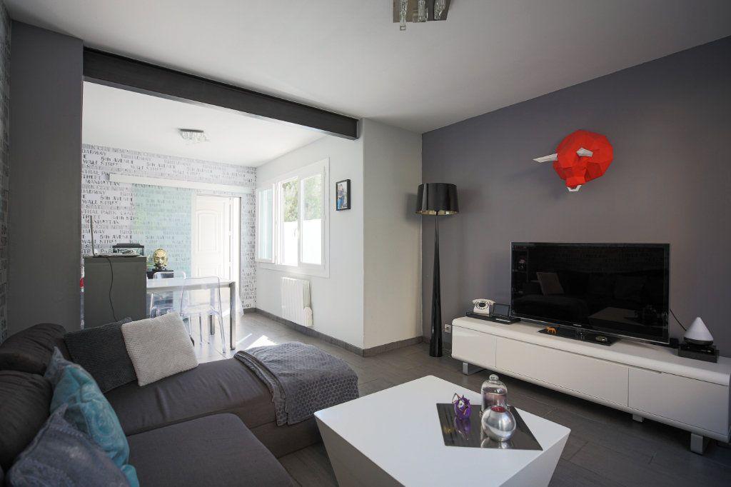 Maison à vendre 3 70m2 à Béziers vignette-1