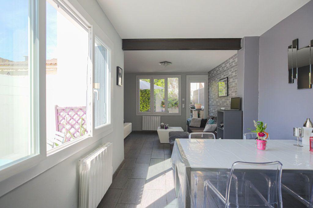 Maison à vendre 3 70m2 à Béziers vignette-3